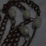 Collana_asimetrica_perla_bainco_marrone_6